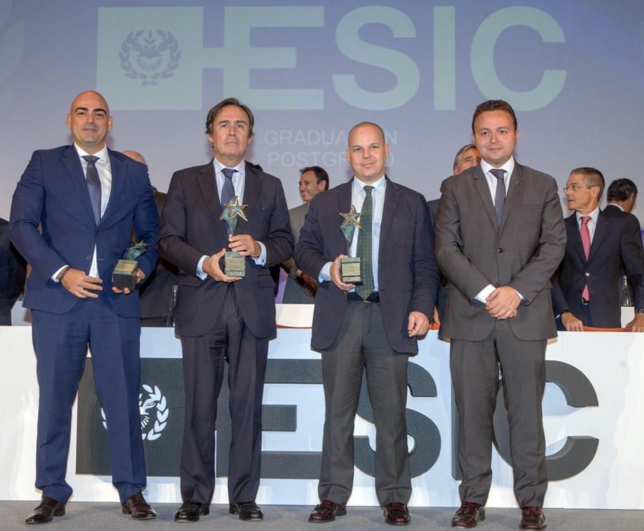 Eduardo Gómez Martín, con los premiados