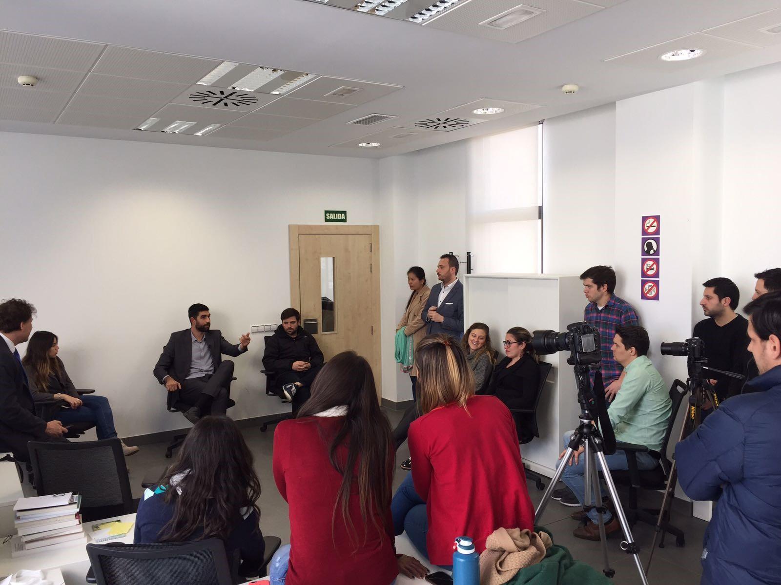 Visita de los alumnos del IMBA a la incubadora